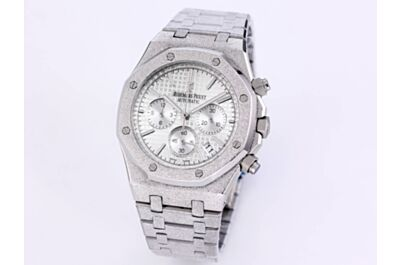 Luxury AP Royal Oak Watch White Grande Tapisserie Dial Hours Minutes Seconds Counters Date Silver Frosted Case Strap