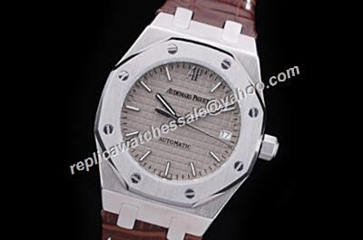 Audemars Piguet Royal OAK Grey Automatic Men's  Silver Markers 40mm Date Watch